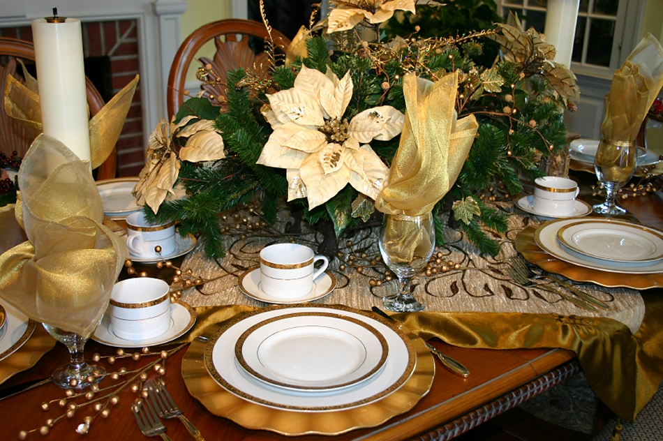 Altogether Christmas Decorating Dining And Tabletop
