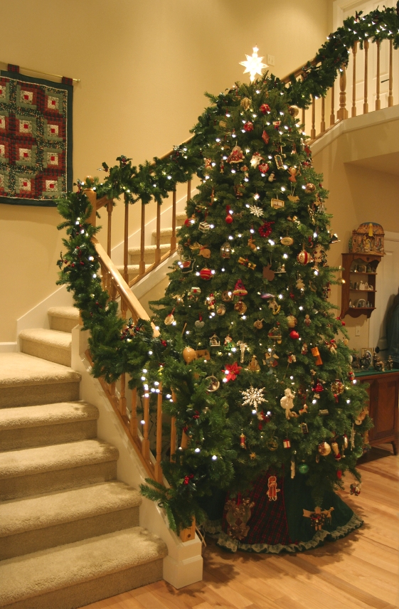 decorating christmas trees - Indoor Decorative Christmas Trees