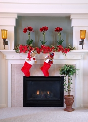 Christmas Decorating Ideas for fireplaces, mantles and stairs.